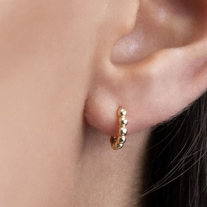 SILVER 15MM HOOP EARRING $4.60