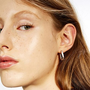 SILVER U SHAPE HOOP EARRINGS $8.90