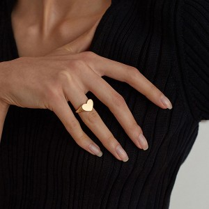 SILVER LOVE HEART SIGNET FINGER RING  $7.00